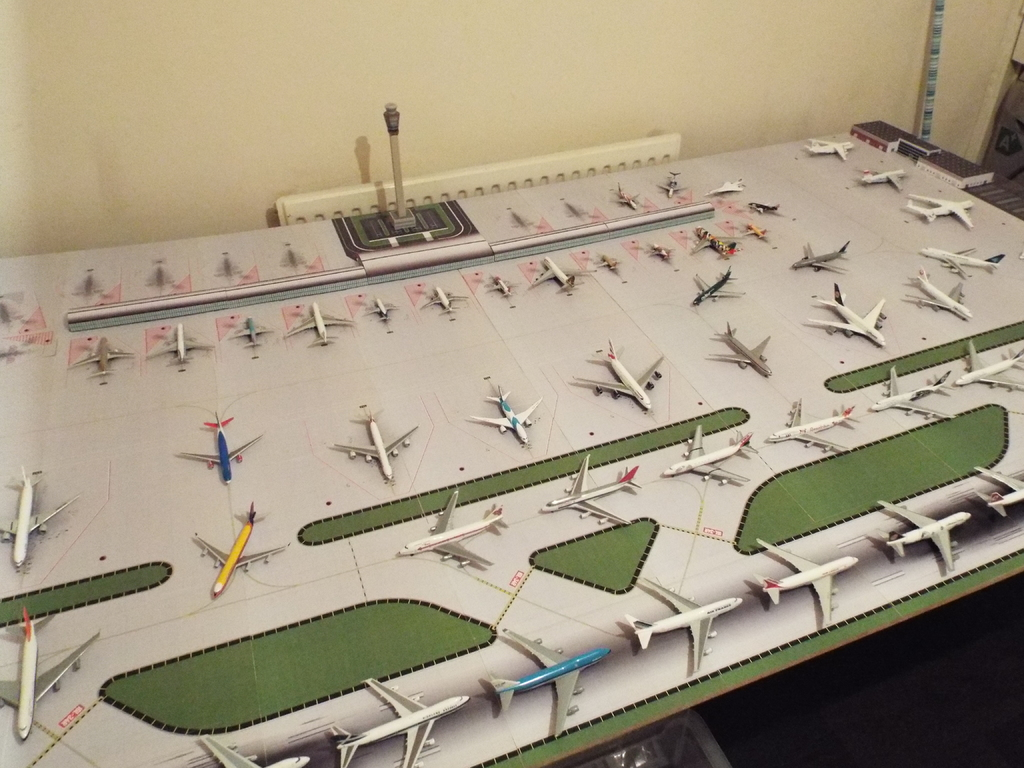 Aeroporturi in miniatura 1:400 - 1:500 DSCF4581