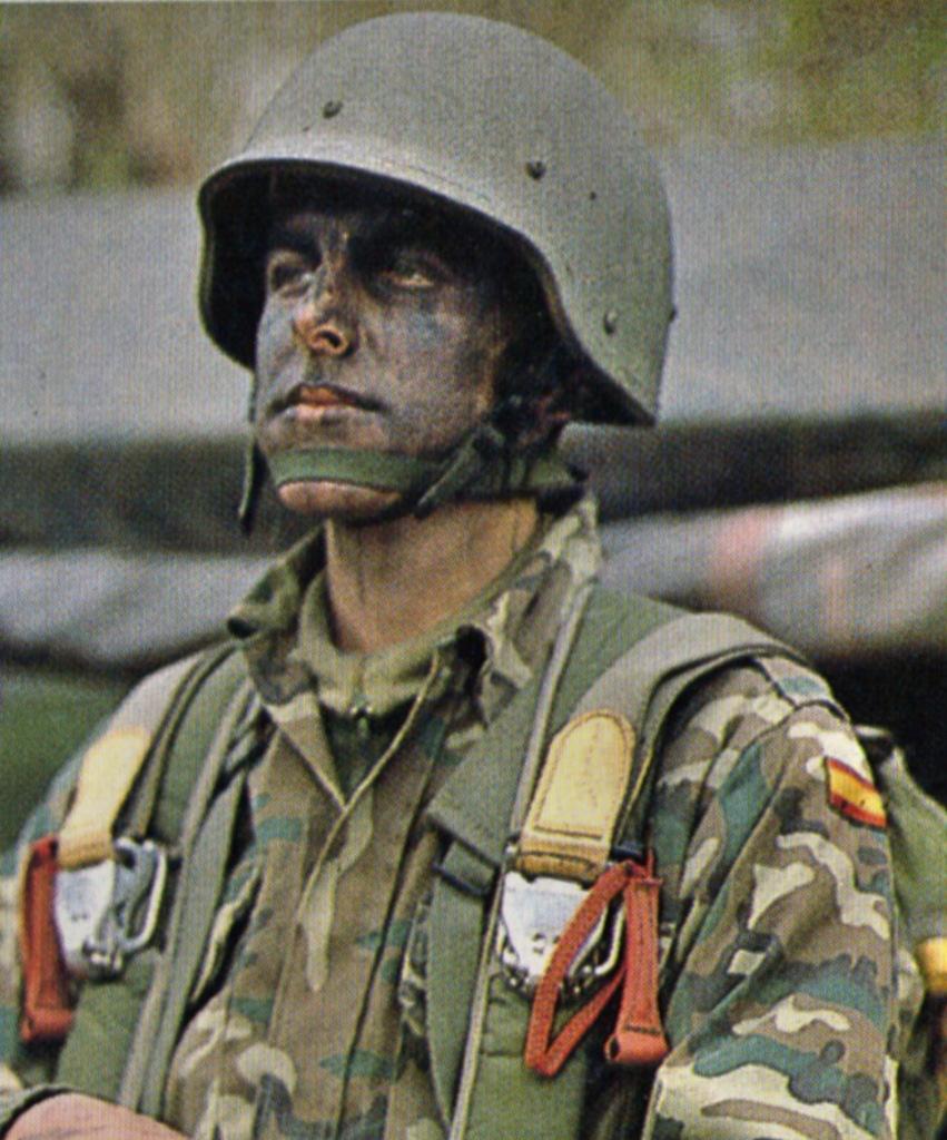 """casco - Casco de Instrucción y Combate """"Marte"""" 01-85/86 01b_Marte_I_85_1986_Barbo_paracaidista_01"""