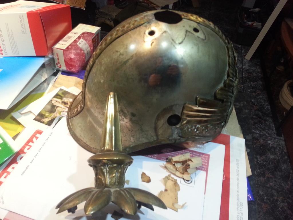 """casco - Casco Mod. 1875 de Oficial de Lanceros del Regimiento Nº1 """"del Rey"""". 20150303_211756"""