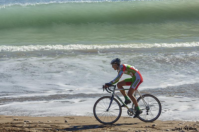 Ciclocross de Vinaròs Con_una_ola