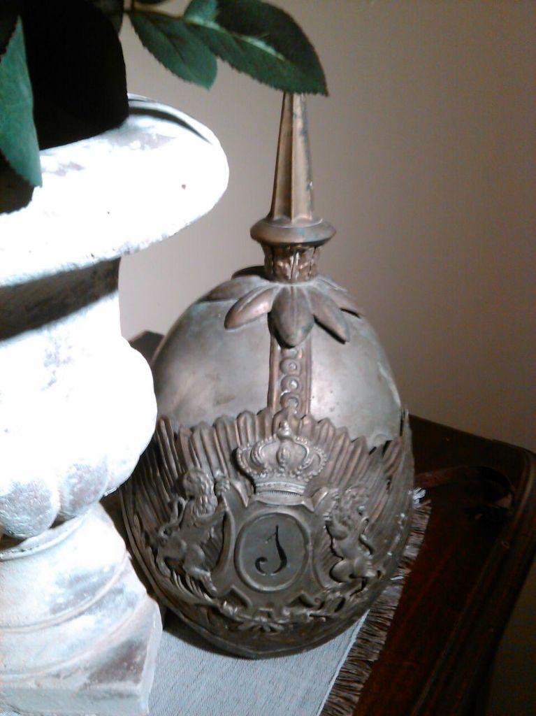 "casco - Casco Mod. 1875 de Oficial de Lanceros del Regimiento Nº1 ""del Rey"". IMG_20150228_WA0005"