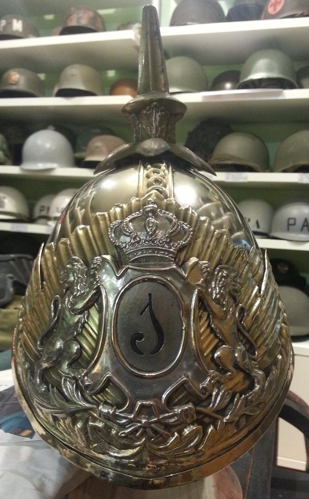 "casco - Casco Mod. 1875 de Oficial de Lanceros del Regimiento Nº1 ""del Rey"". 20150303_220441b"