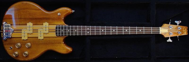 Fender JazzBass BlackTop  DSC05859