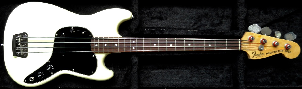 Review 2: Fender Musicmaster Bass (USA, 1978) DSC07731