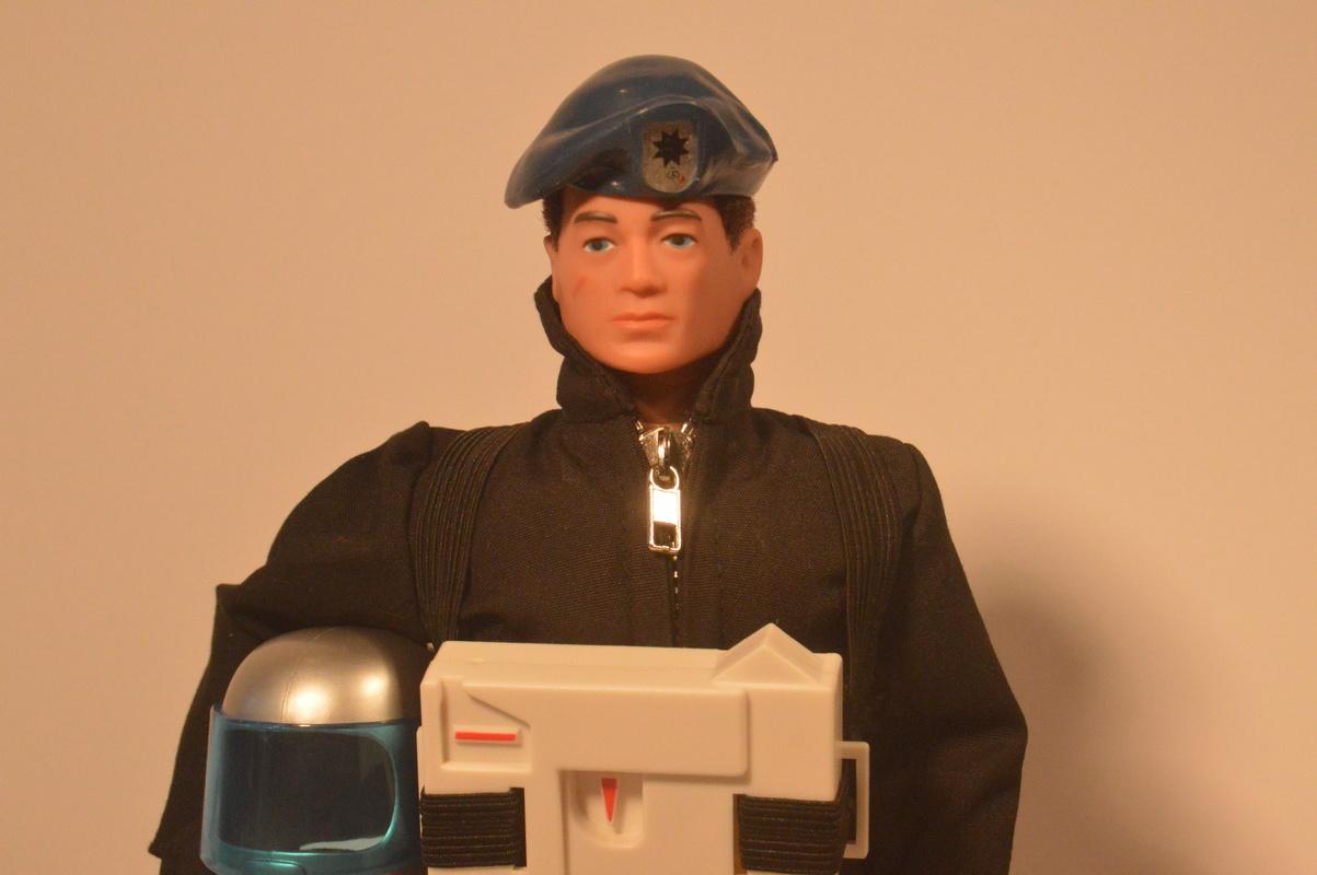 Blue Beret Stealth Astronaut DSC_0861