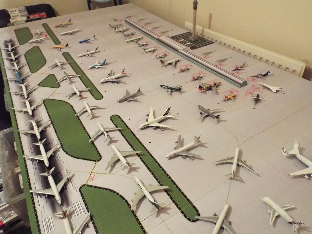 Aeroporturi in miniatura 1:400 - 1:500 DSCF4583