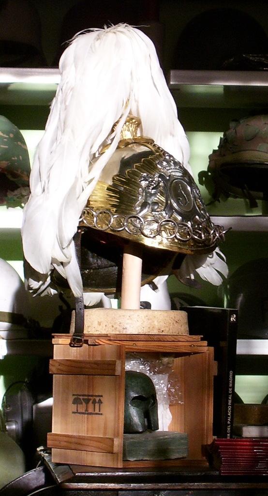 "casco - Casco Mod. 1875 de Oficial de Lanceros del Regimiento Nº1 ""del Rey"". Reg_Cab_Lig_Del_Rey_N1_001"