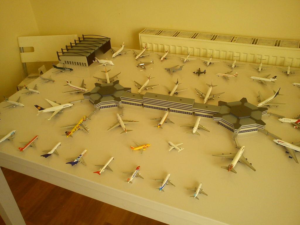 Aeroporturi in miniatura 1:400 - 1:500 IMG_20140410_131231