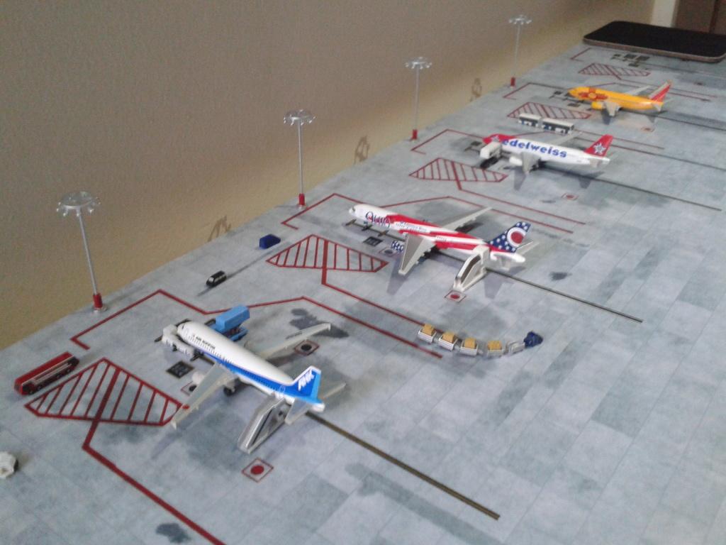 Aeroporturi in miniatura 1:400 - 1:500 2014_08_15_18_33_38