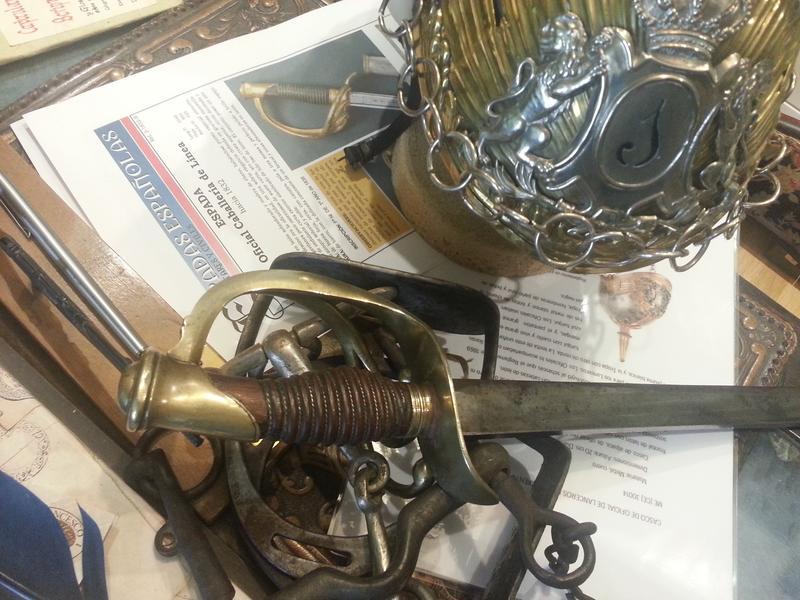 """casco - Casco Mod. 1875 de Oficial de Lanceros del Regimiento Nº1 """"del Rey"""". 20151122_125744"""