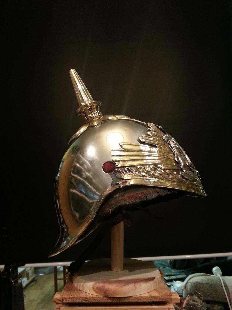 """casco - Casco Mod. 1875 de Oficial de Lanceros del Regimiento Nº1 """"del Rey"""". 20150309_153903"""