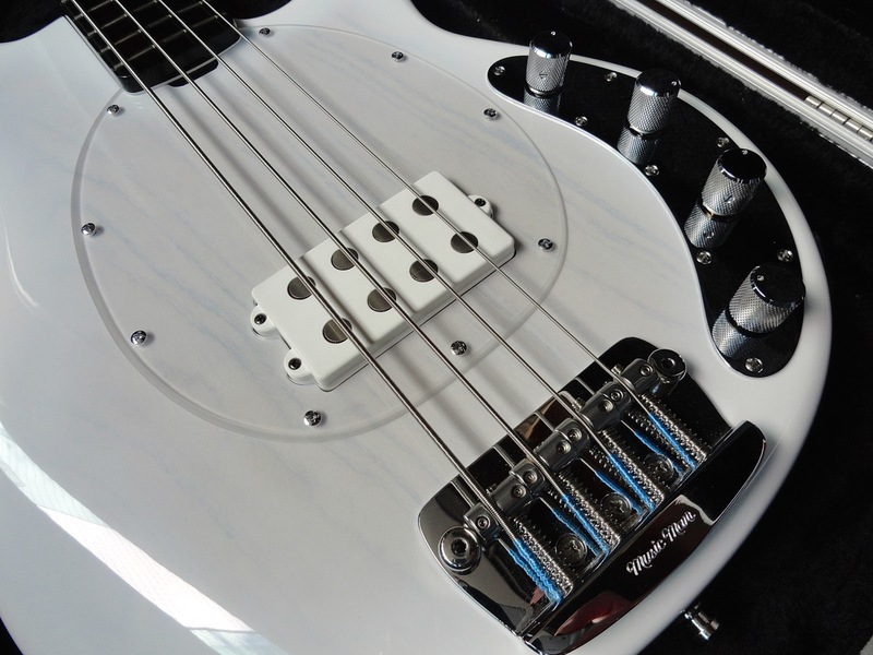 Ernie Ball Music Man 40th Anniversary StingRay Bass DSC05510