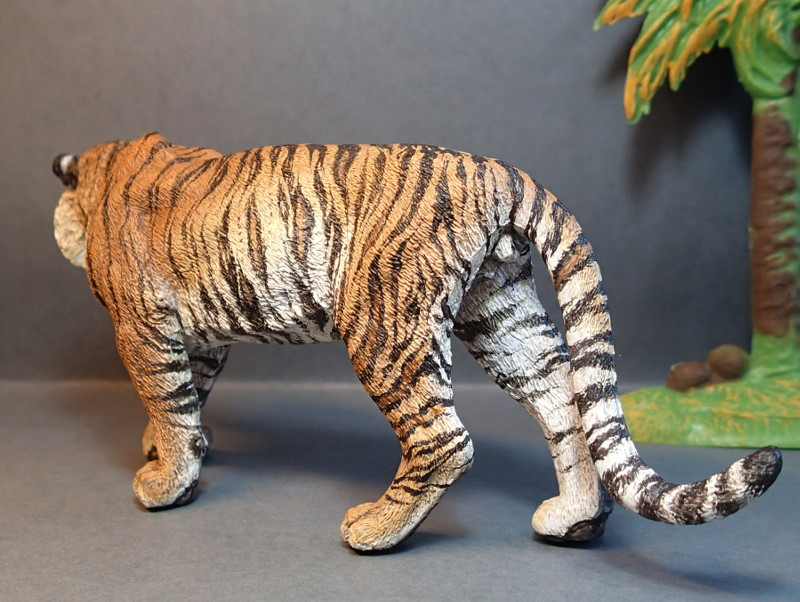 Repainting a TIGER in ``Kosta`s style`` :D - Page 4 Tigro_Walk3_zps6wkh9mil