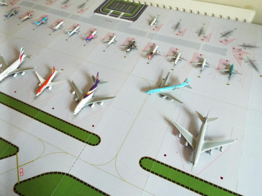 Aeroporturi in miniatura 1:400 - 1:500 DSCF4572