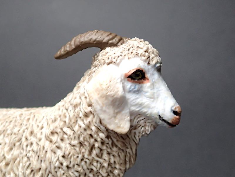 Five fantastic, fuzzy farm figures from Papo !!! :-D Fuzz_Goat6