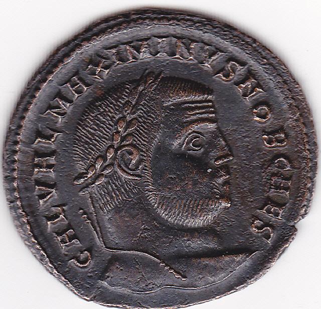 Nummus o Follis Maximino II. GENIO CAESARIS CMH. Nicomedia IMG