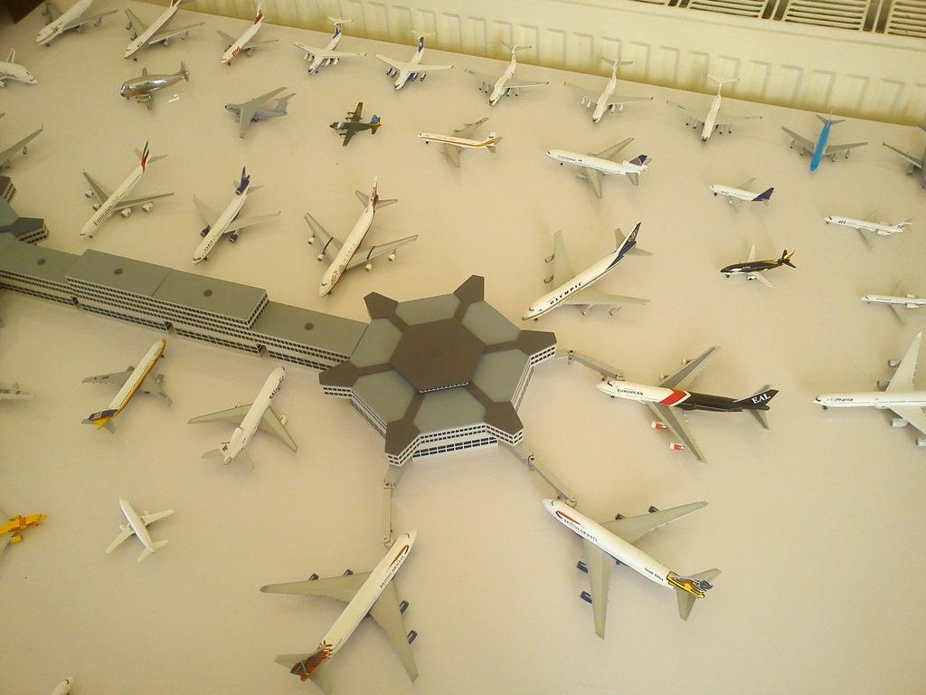 Aeroporturi in miniatura 1:400 - 1:500 IMG_20140410_131238