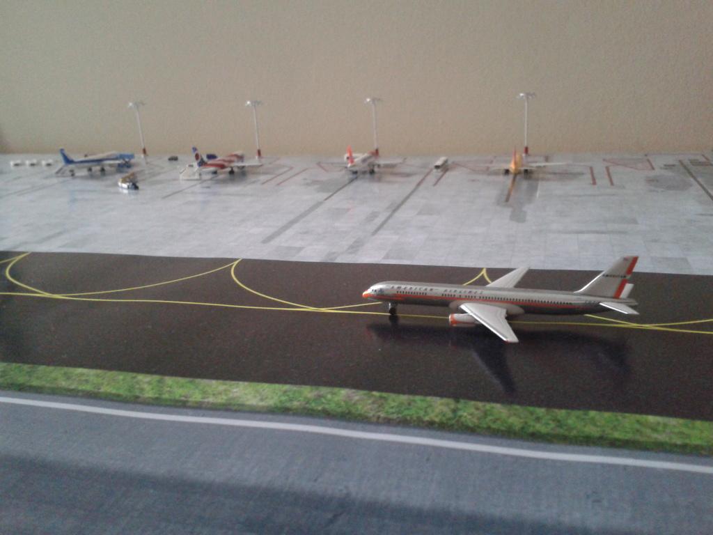 Aeroporturi in miniatura 1:400 - 1:500 2014_08_15_18_35_16
