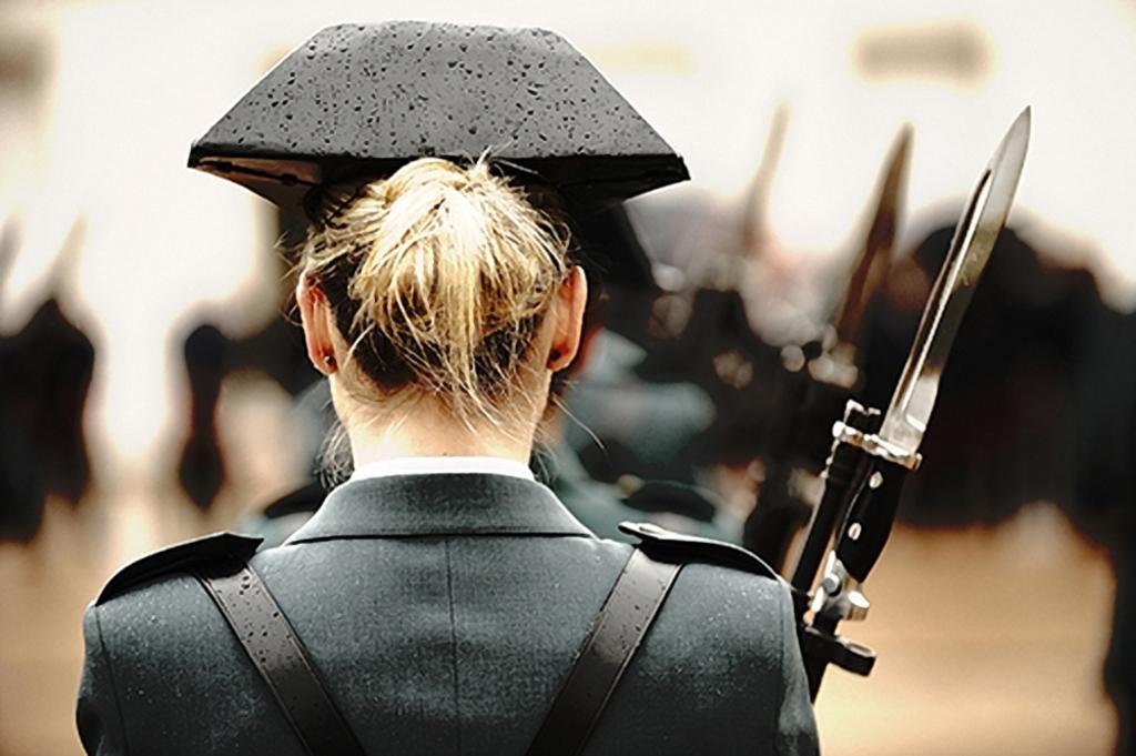 """Bayoneta CETME C para la Guardia Civil y """"de Exportación"""". Diferencias. Segundo_premio_europol_002"""