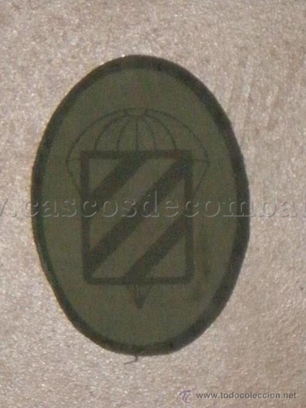 ESPAÑOLES EN VIETNAM - Historia, Cascos y Uniformes. Distintivos_y_emblemas_II_Bandera_Paracaidista_002_SERIGRAFIADO
