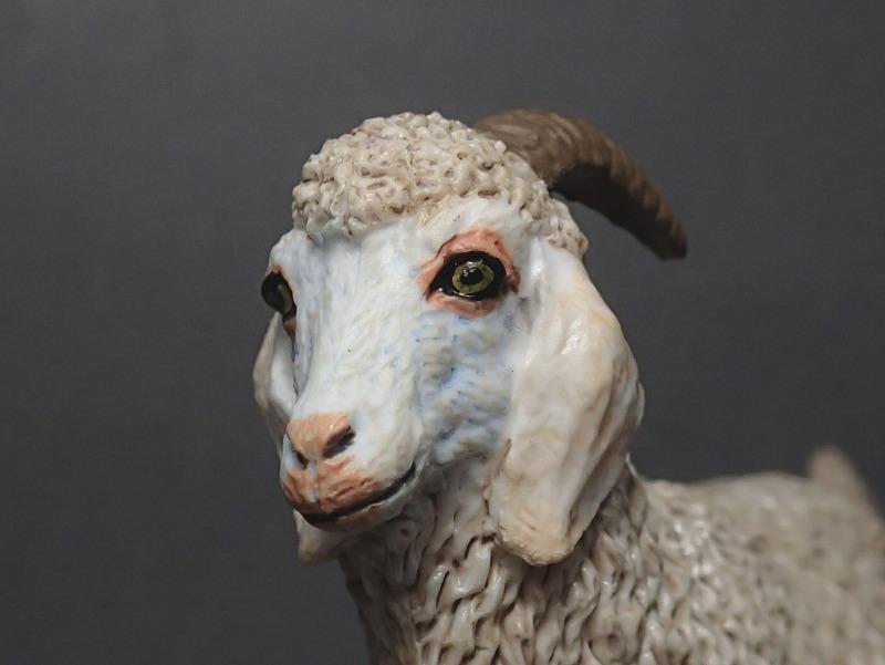 Five fantastic, fuzzy farm figures from Papo !!! :-D Fuzz_Goat7