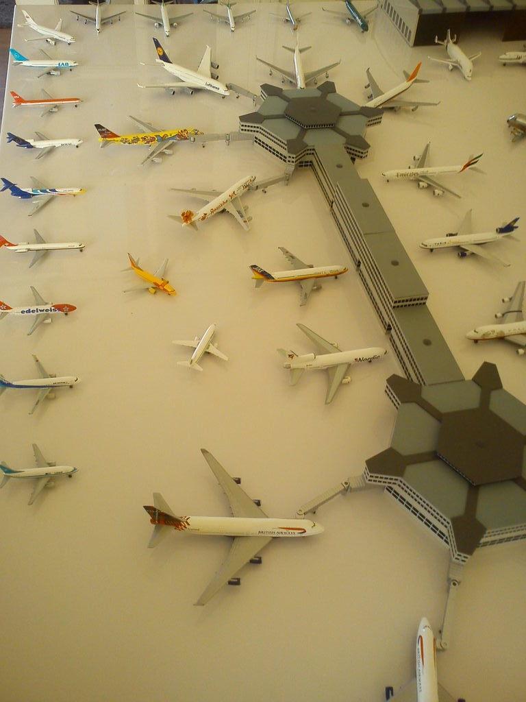 Aeroporturi in miniatura 1:400 - 1:500 IMG_20140410_131310
