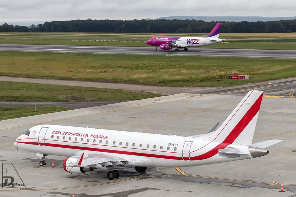 Aeroportul Suceava (Stefan Cel Mare) - Iunie 2018  IMG_5800