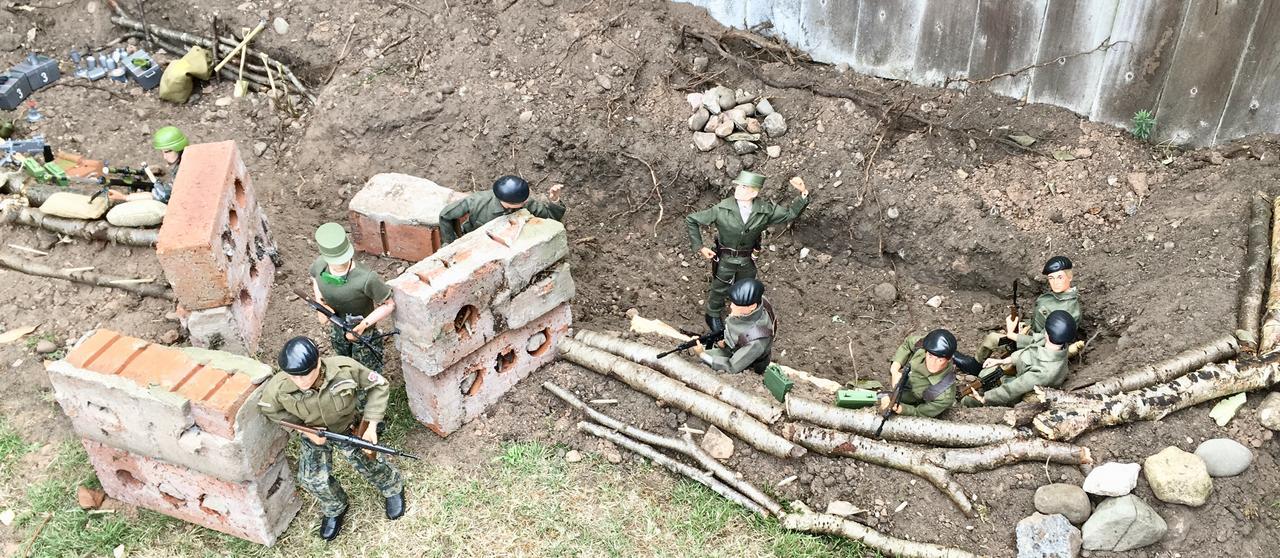The Munrovians prepare their defenses..part 1. Fullsizeoutput_c3c