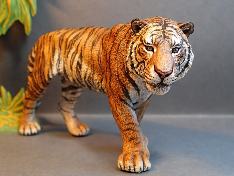 Repainting a TIGER in ``Kosta`s style`` :D - Page 4 Tigro_Walk1_zpstoghqt87