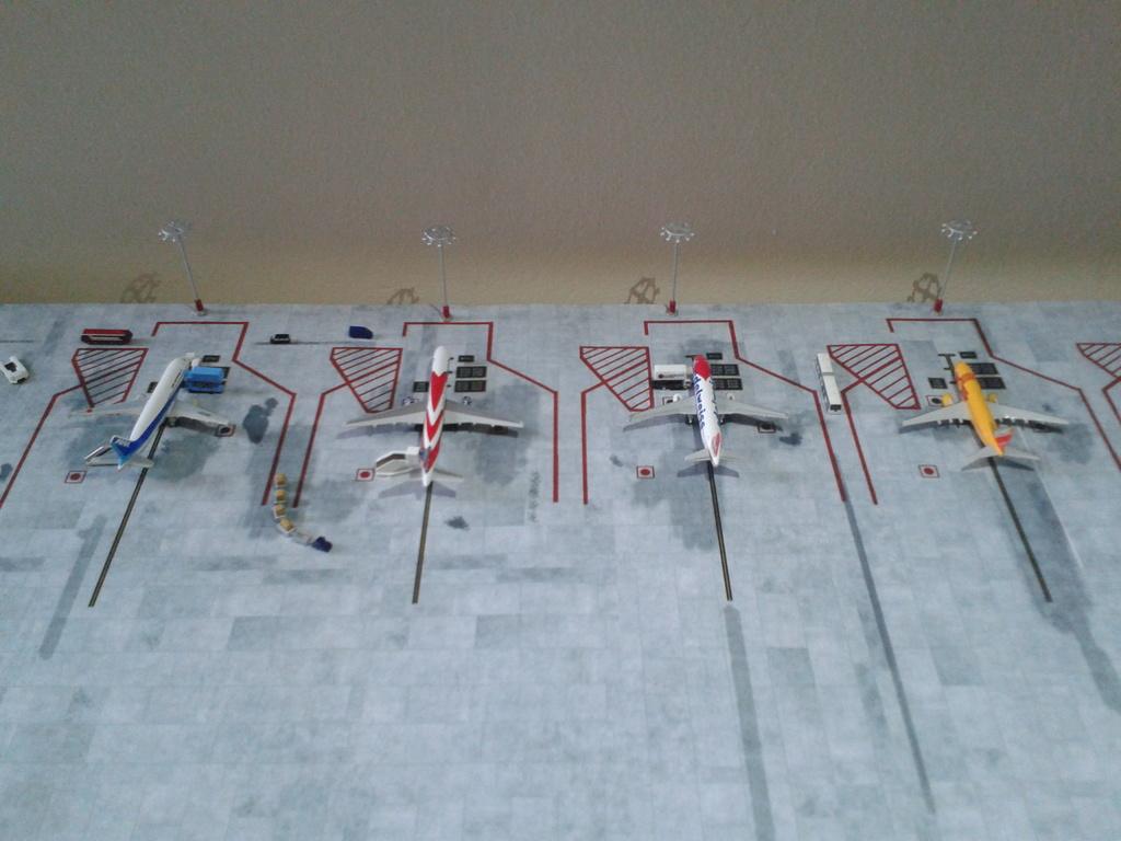Aeroporturi in miniatura 1:400 - 1:500 2014_08_15_18_33_14