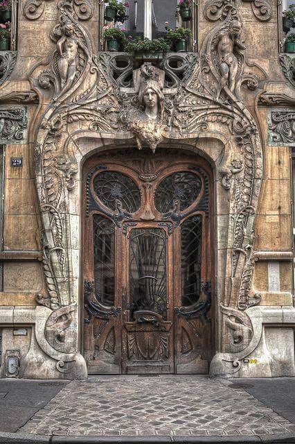 Oddities, curiousities and strangness in history [2] - Page 14 A_door_in_paris