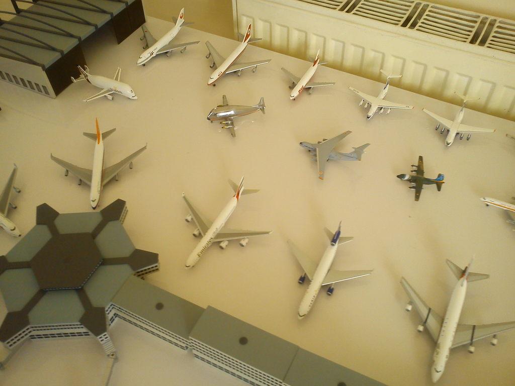 Aeroporturi in miniatura 1:400 - 1:500 IMG_20140410_131257