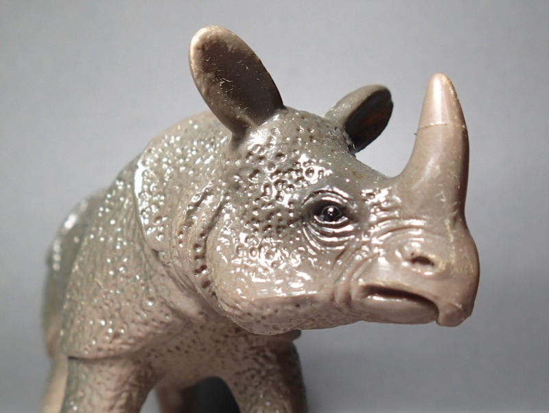 The Javan rhino from Bullyland :-) Bully_Rhino_Body_Horn2