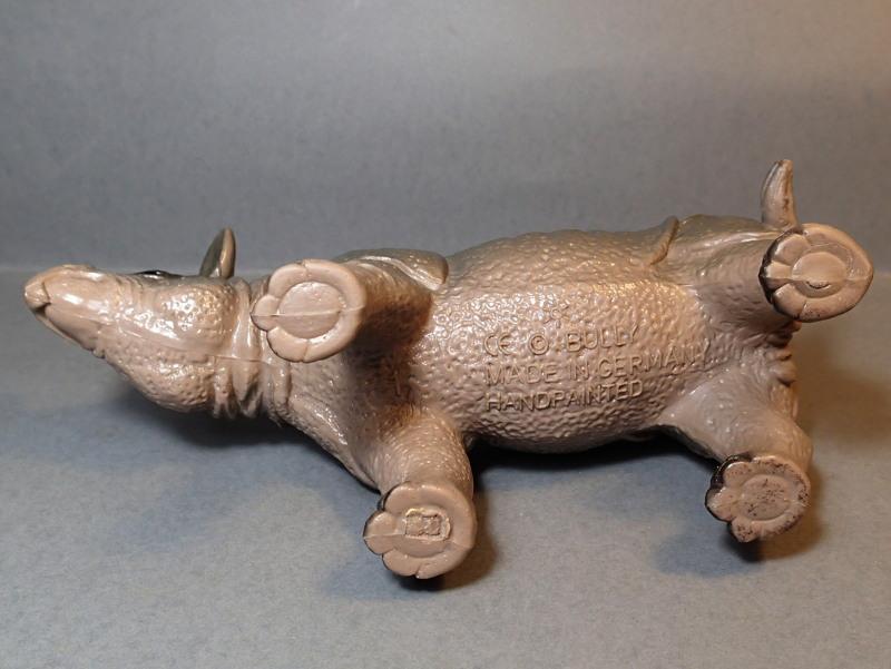 The Javan rhino from Bullyland :-) Bully_Rhino_Body_Underside
