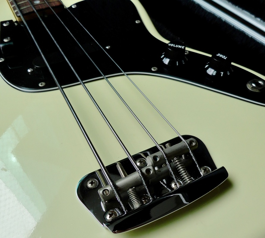 Review 2: Fender Musicmaster Bass (USA, 1978) DSC07734