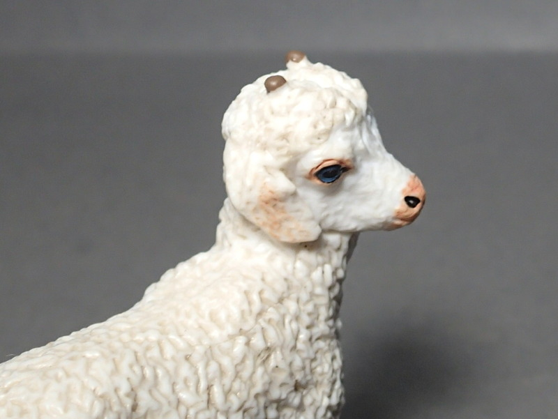 Five fantastic, fuzzy farm figures from Papo !!! :-D Fuzz_Goat_Kid5