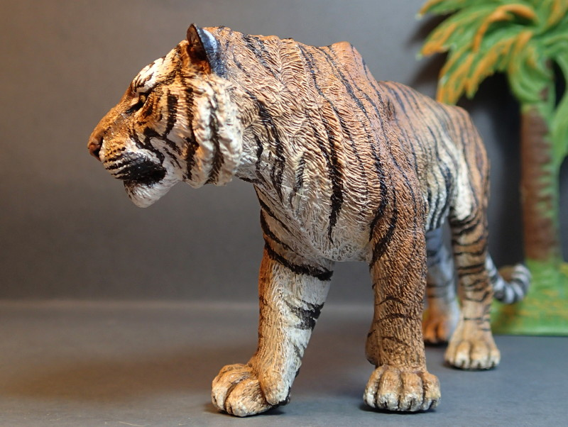 Repainting a TIGER in ``Kosta`s style`` :D - Page 4 Tigro_Walk5_zps5b0adl3k