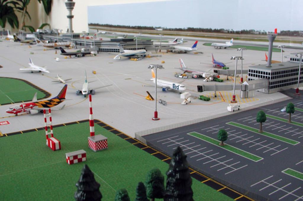 Aeroporturi in miniatura 1:400 - 1:500 Model_airport_1