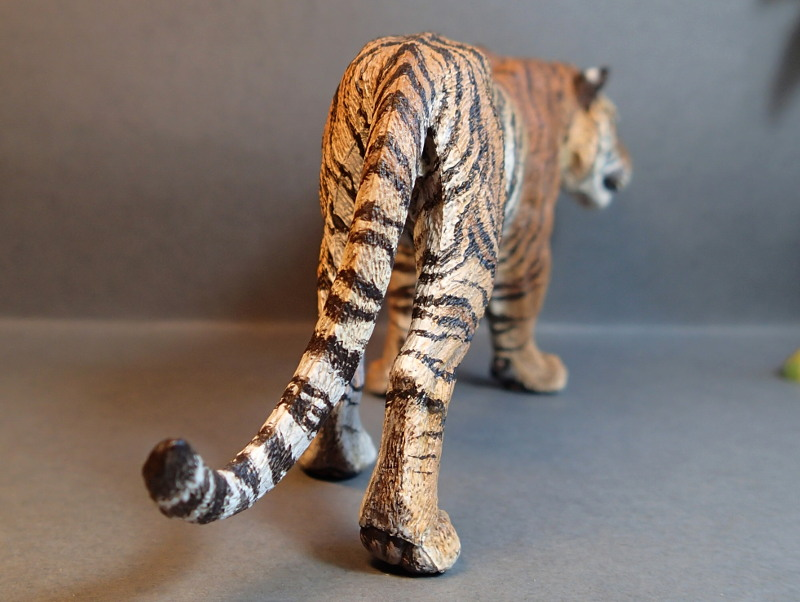 Repainting a TIGER in ``Kosta`s style`` :D - Page 4 Tigro_Walk_Tail_zpslmhhvro7