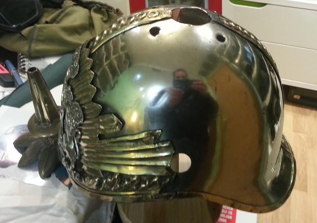 "casco - Casco Mod. 1875 de Oficial de Lanceros del Regimiento Nº1 ""del Rey"". 20150303_220343b"