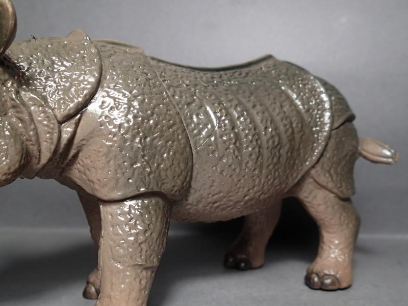 The Javan rhino from Bullyland :-) Bully_Rhino_Body_Shoulder