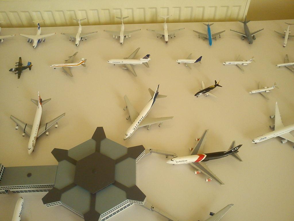 Aeroporturi in miniatura 1:400 - 1:500 IMG_20140410_131303