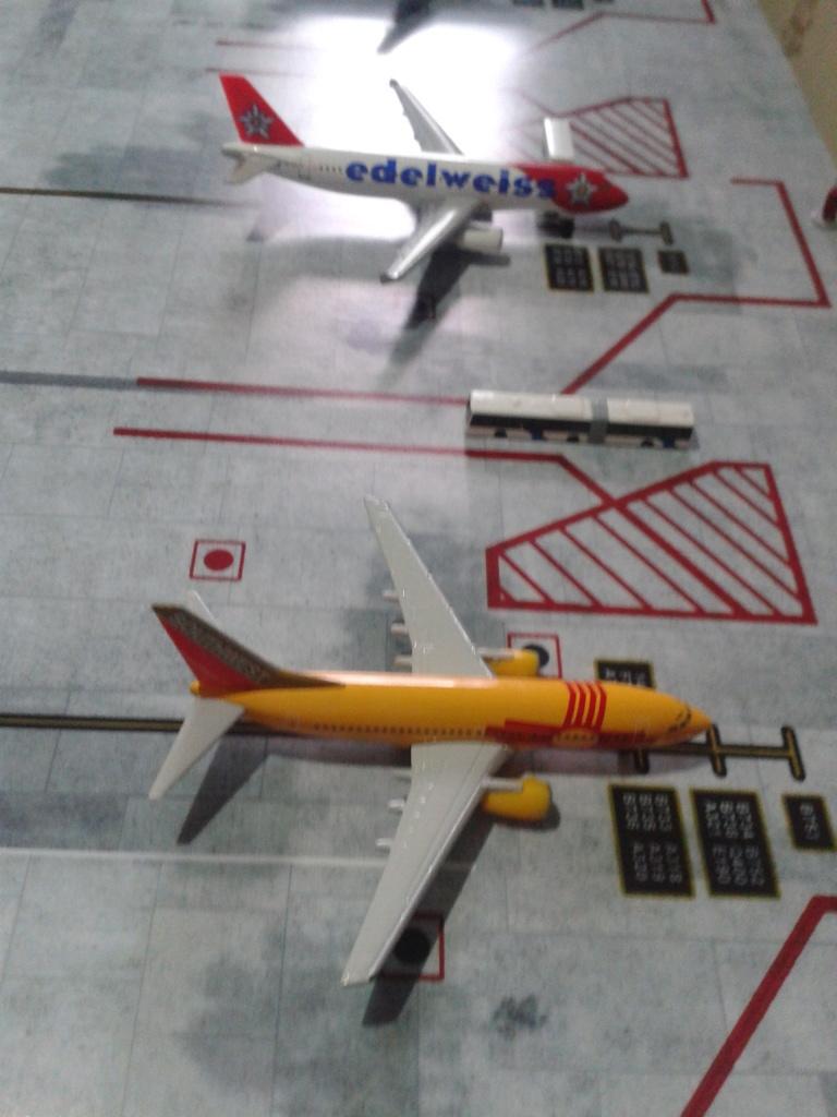 Aeroporturi in miniatura 1:400 - 1:500 2014_08_15_18_34_38