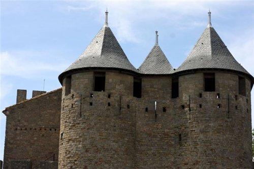 Каркассон (франц. Carcassonne) - город-крепость. D70d630053cd