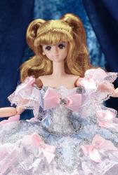 Petite revue des poupées Lady Oscar Bellon2