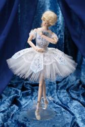 Petite revue des poupées Lady Oscar Bellout4
