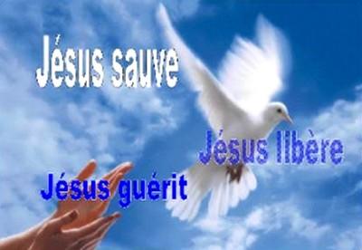 LES MERVEILLES ET LA PUISSANCE DU SAINT NOM DE JÉSUS... - Page 2 JESUS-sauve-ESPRIT-SAINT