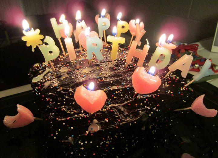 عيد ميلاد سعيد لأختي الحبوبة نعنوعة  Baking-birthday-cake-candles-chocolate-Favim.com-257859