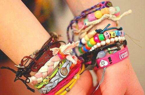 Accesori.. - Page 6 Accessories-band-bracelets-charms-colourful-Favim.com-307400