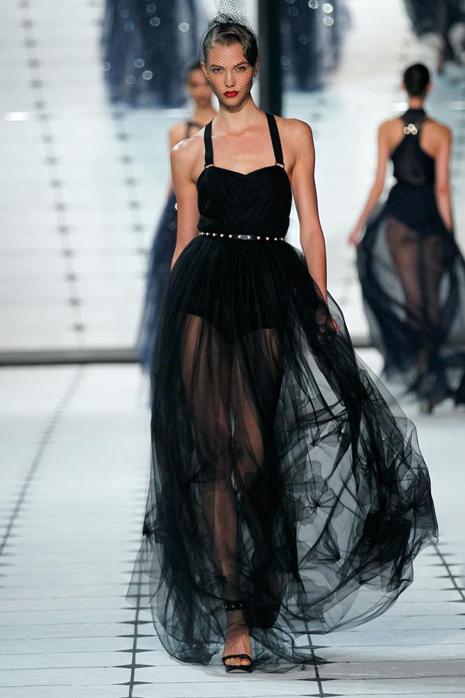 Гардероб наших леді в колекціях fashion дизайнерів - Страница 3 2942b26cf4f2cf76d959d7014be1a14d